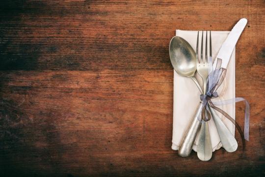 нож и вилица с панделка