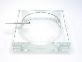 Кристален пепелник 18см, цена 22,80лв.