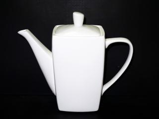 Чайник Порцеланов 1 литър, цена 13,90лв.